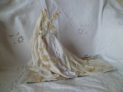 Ophelia in wire and papier mache